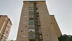 L'immoble afectat és una estructura adjacent, d'unes quatre plantes, a aquest edifici tradicional del Gornal