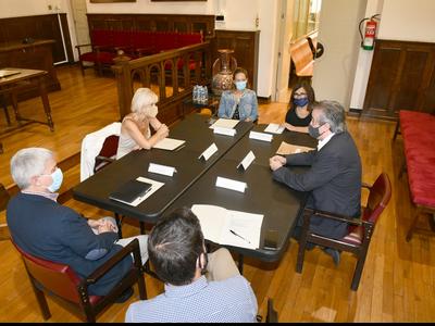 Toni Morral visita dos municipios del Baix Llobregat