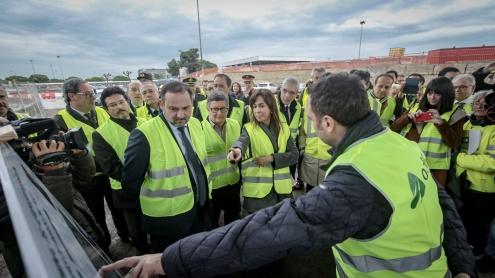 El ministro Ábalos anuncia en El Prat inversiones de 2.000 millones de euros en aeropuertos catalanes
