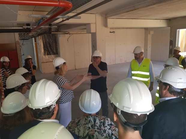 Visita de obras del conseller Bargalló a la Escuela Cau de la Guineu en Corbera