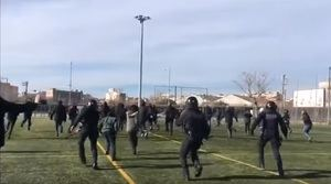 Momento de la carga de la policía catalana.