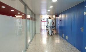 Detenido un hombre por agredir con arma blanca a su pareja en L'Hospitalet