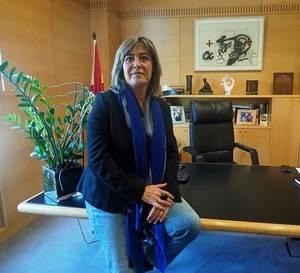 Marín, alcaldessa de L'Hospitalet des de 2008, al seu despatx de l'Ajuntament